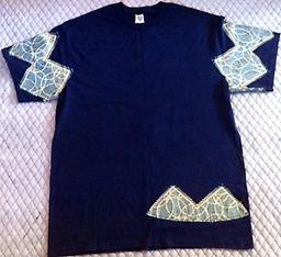 (L) TE Navy Blue/ Triangle 100% Cotton T-Shirt w/ Triangle shapes on sleeves.