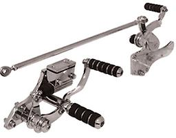 CUSTOM FORWARD CONTROL KITS FOR BIG TWIN 4 SPEED & SOFTAIL Kraft Tech Chrome Plated Complete Custom Forward Control Kit Fits FL & FX 4 speed, all years with hydraulic rear brake & Softail models 1986/1999 Note: Pegs are imported