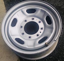 "17"" F250 F350 Steel OE Wheels & Caps Set of factory 17"" wheels & caps. Ford Super Duty painted steel."