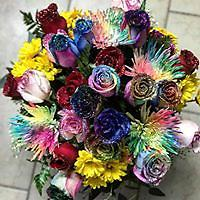 extra large mixed bouquet freshest rainbow roses, red roses, mums, daisiez. glittered! and huge!
