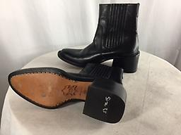 "BARNEYS NEW YORK CO-OP BLACK LEATHER ANKLE BOOTS Barney New York Coop black leather ankle boots. 2"" heel. Almond toe."