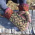 Not So Norwegian Mittens - Made with worsted weight yarn so it knits up fast! Stranded colorwork in the round.