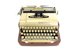 Underwood Quiet Tab (brown/tan) Collectible Portable Typewriter ON SALE NOW!