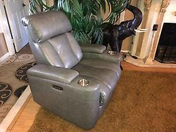 Macy's Theater Style Triple Electric Reclining Chair Macy's Theater Style Triple Electric Reclining Chair