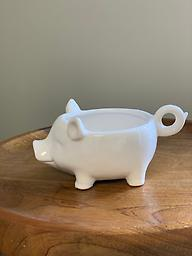 Pig Planter Get a chuckle from this fun little pig planter.