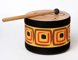 Wood Tone/Slit Drum Solid wood tone drum with 3 tongues produces warm and appealing rhythms. Playing it is easy and enjoyable.