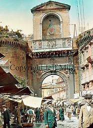 7. Piazza del Mercato, full view The Piazza del Mercato on market day. This is the full view version.